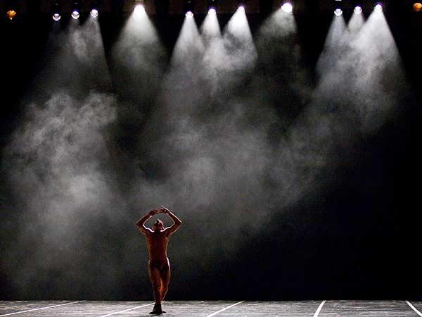 Progettazione-teste-mobili-per-spettacolo-di-danza-imola